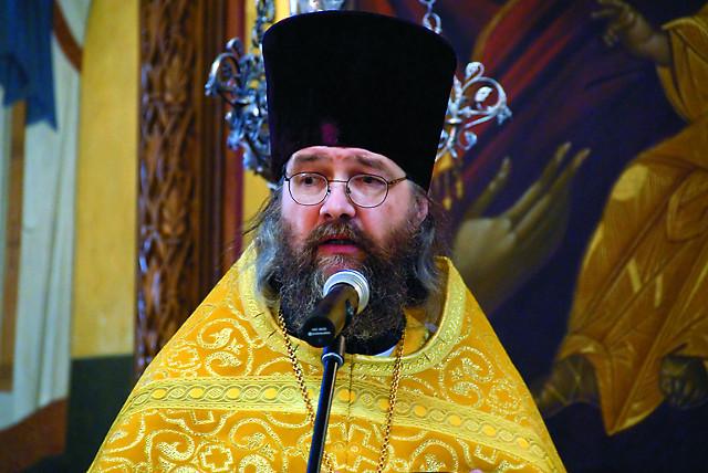 Протоиерей Пётр Перекрёстов - ключарь кафедрального собора