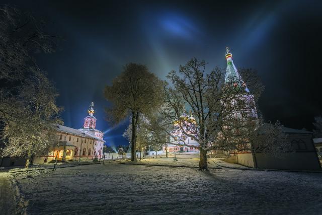 Иверский монастырь ночью