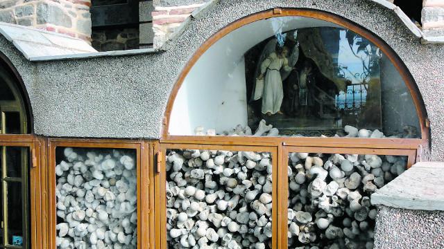 """Кости прежих монахов напоминают о том, что """"дни лукавы"""""""