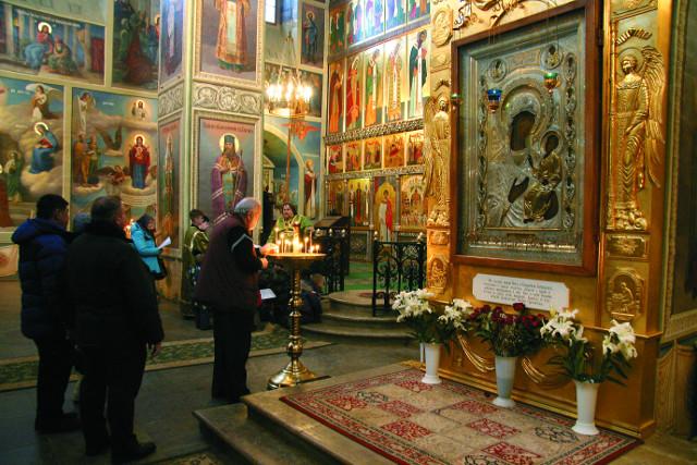 Иверская икона перенесенная из Валдайского храма святых апостолов Петра и Павла