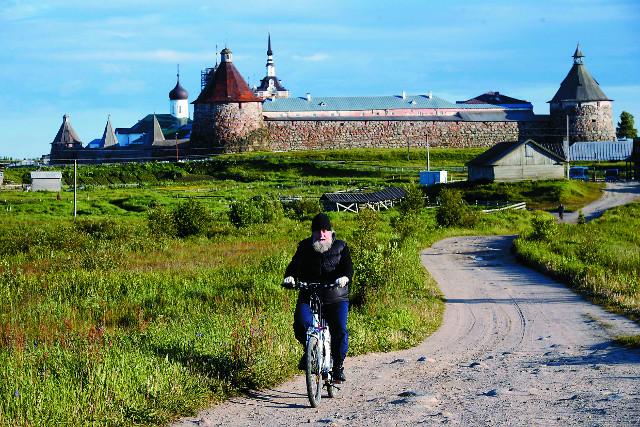 Велосипед - самый уобный  транспорт  на Соловках