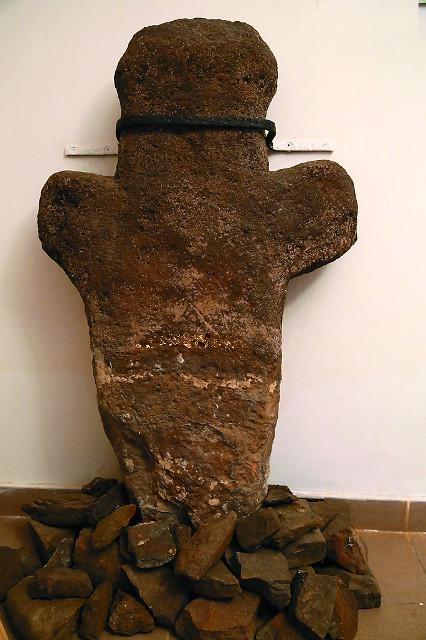 Козельский крест, по преданию, был установлен на месте захоронения русских воинов