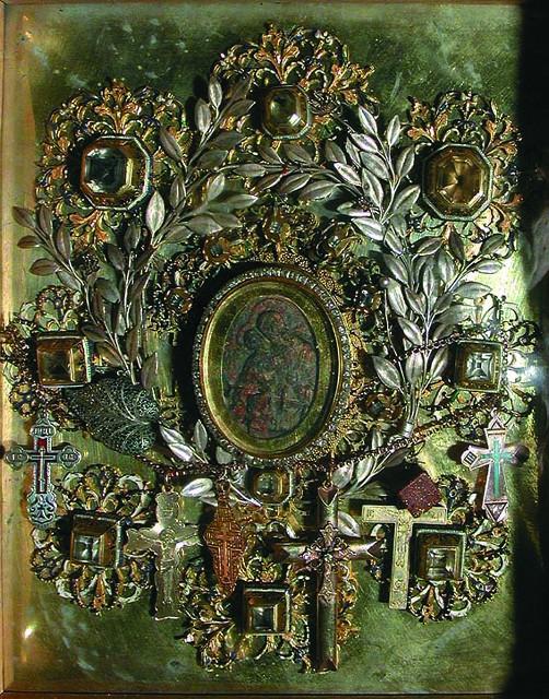Жировицкая икона Божией Матери – самый миниатюрный из всех чудотворных богородичных образов
