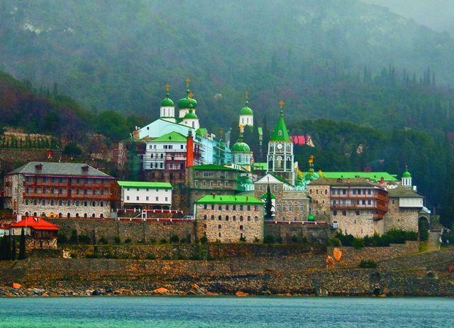 Русский Свято-Пантелеимонов монастырь