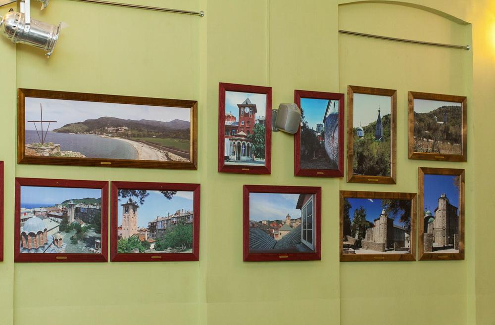 На выставке представлены фотоработы сербского художника Миодрага Бранковича