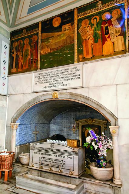 Святой источник, давший начало храму