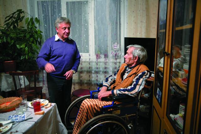 Петр Задиров с другом и крестником Александром в селе Михайловка