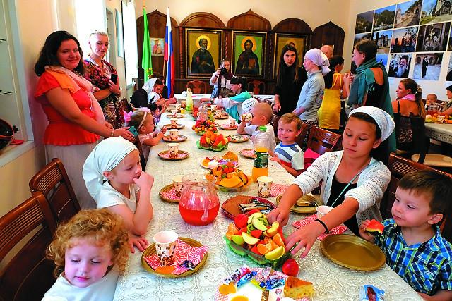 Традиционное чаепитие после богослужения