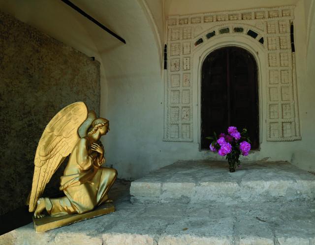 В XIV–XV веках Снетогорский монастырь был главным духовным центром Пскова