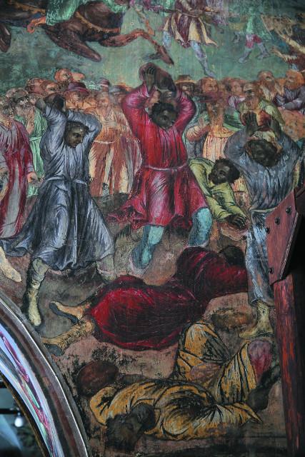 Фреска в храме Царевича Димитрия на крови, изображающая разъяренную толпу, которая забивает  камнями думных дьяков