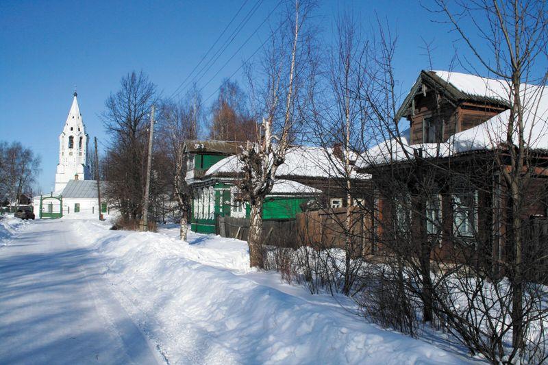 Маленький городок на Волге, почти на полпути между Рыбинском и Ярославлем