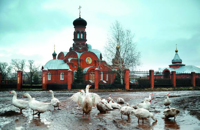 Храм Казанской иконы  Божией Матери  в селе Новоникольском