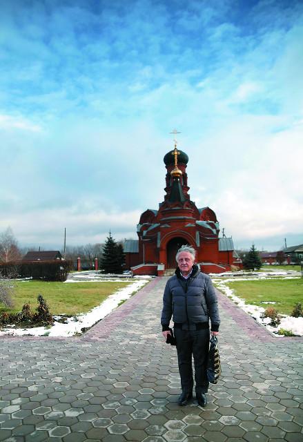 Храм в честь Казанской иконы Божией Матери построил парашютист-испытатель Петр Задиров