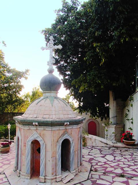 Часовня над гробницей святой Тавифы