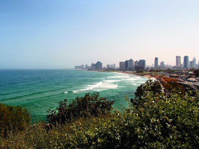 Вид с Яффского холма на современный  Тель-Авив