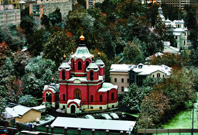 Знаменски храм и усадьба Грачевка