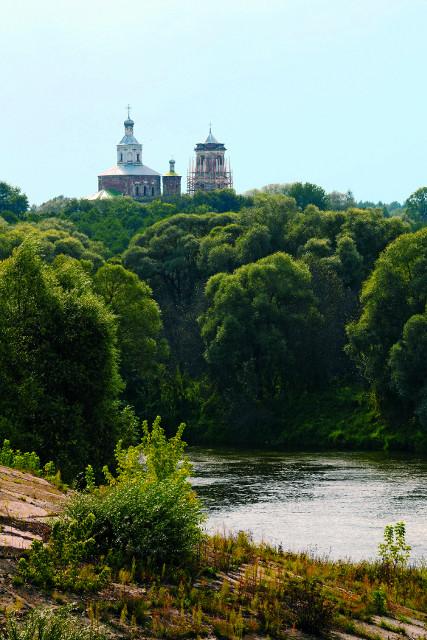 """Древний Шаровкин монастырь находится на территории национального природного заповедника """"Угра"""""""