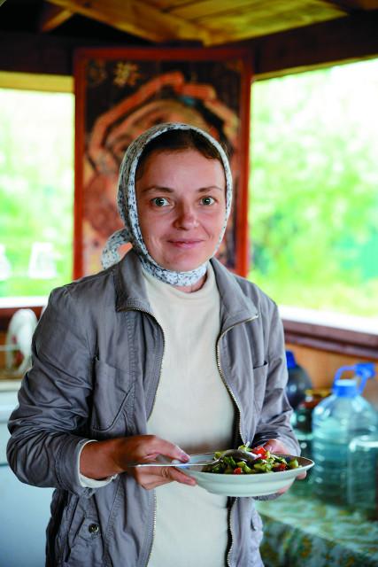 Всех, кто приезжает в монастырь помолиться и потрудиться, сытно и вкусно накормят на монастырской кухне