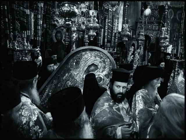 В год тысячелетия русского присутствия на Афоне монашеская республика приняла рекордное количество паломников из нашей страны. И многие из тех, кто побывал здесь однажды, обязательно приедут снова