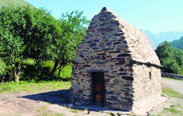 В поселке Нузал будет отреставрирована древняя часовня