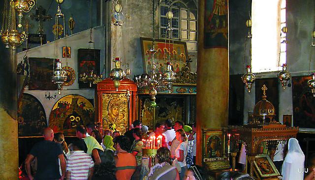 В Русском приделе  храма Рождества  Хритова  в Вифлееме