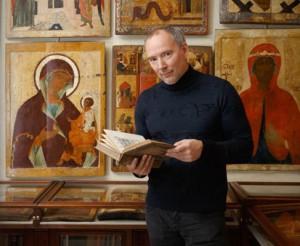 Константин Воронин – выпускник исторического факультета МГУ, профессиональный археолог и реставратор