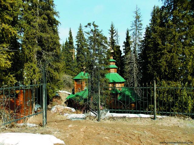 Храм во имя преподобномучеников Серафима и Феогноста
