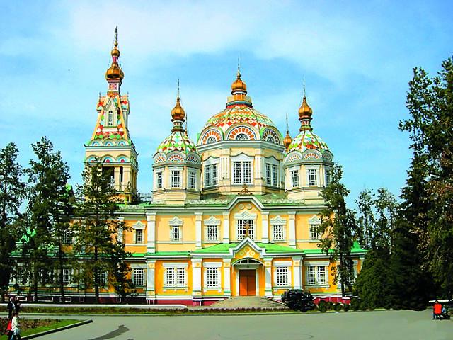 Вознесенский кафедральный собор построен в 1907 году  из тянь-шаньской ели