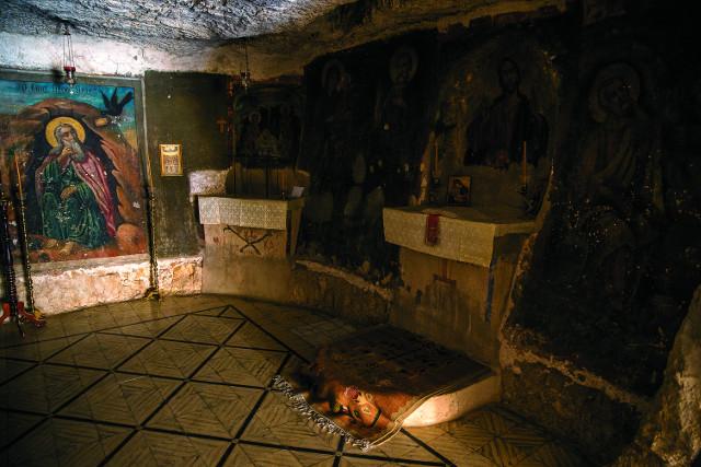 Храм-пещера святого пророка Илии