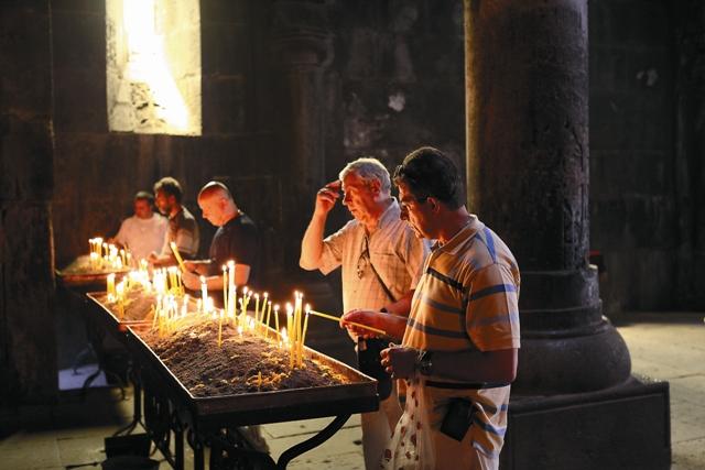 Если доведется попасть на праздник, вас ждет самый радушный прием – ведь гость считается здесь посланником Бога и к нему проявляют особое внимание