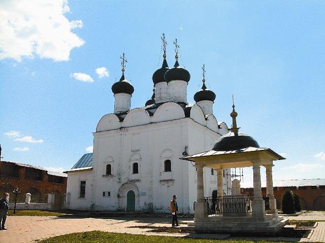 В городе Зарайске, расположенном в 150 км от Москвы и в 60 км от Рязани, находится древний чудотворный образ Святителя Мир Ликийских – Никола Зарайский