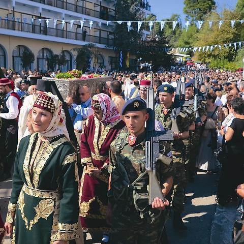 В дни памяти святого Иоанна греки проходят пешком более 50 километров, прежде чем преклонить колени у раки с мощами исповедника