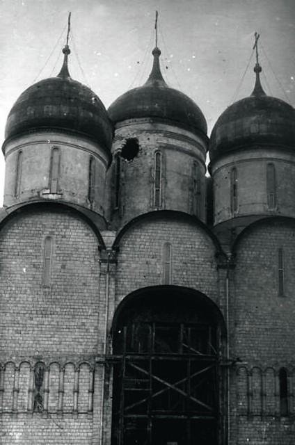 Эта всероссийская народная святыня расстреливалась по прицелу, по обдуманному плану.