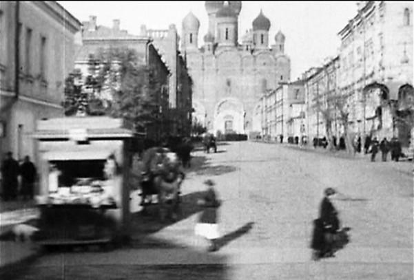 Собор Александра Невского в фильме «Третья Мещанская»