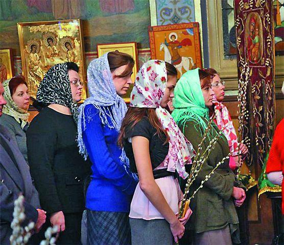 У православных переселенцев сложилась традиция поддерживать в общинах друг друга, собираться вместе в помещениях при храмах для обсуждения важных вопросов