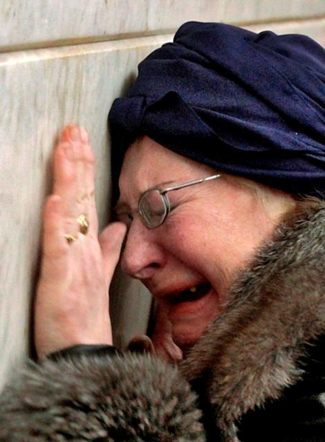 Наверное, ни перед какими другими иконами не пролито столько слез, как перед знаменитым образом Божией Матери «Неупиваемая Чаша»