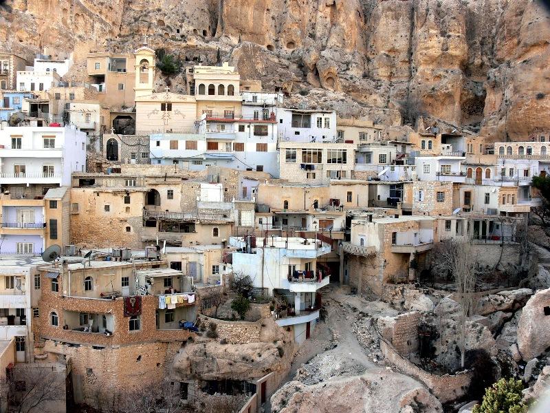 Небольшое поселение Маалюля находится в 55 километрах от сирийской столицы Дамаска, в горах Каламон.