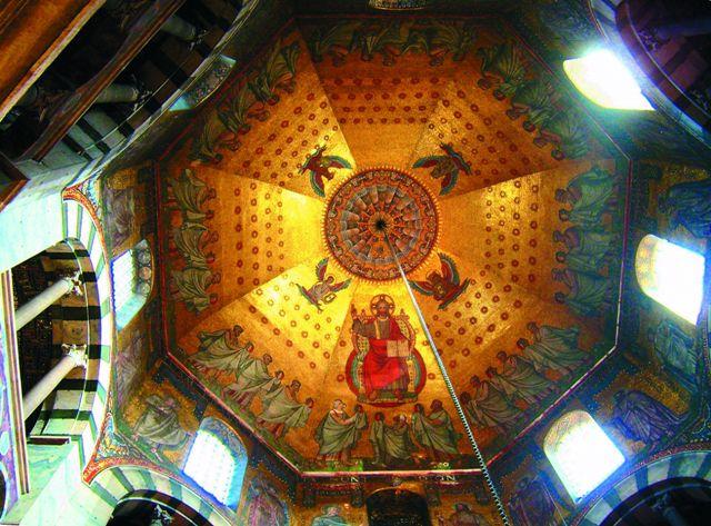 Аахенская капелла — купольная роспись