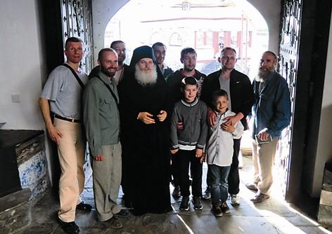 Группе прихожан, побывавших на Афоне, посчастливилось встретиться с Владыкой Ефремом – настоятелем Ватопедского монастыря
