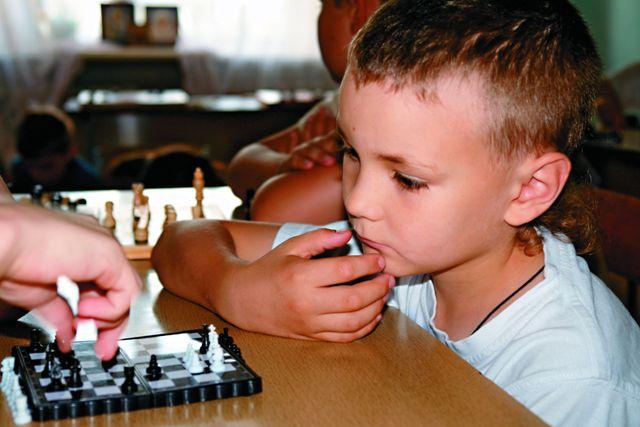 Интеллектуальному  развитию детей уделяется не меньше внимания, чем физическому