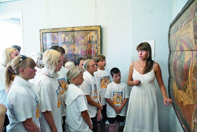 Юные паломники из центра «Образ» знакомятся с искусством Древней Руси