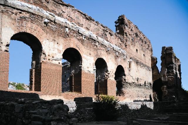 Красная базилика в  Пергаме