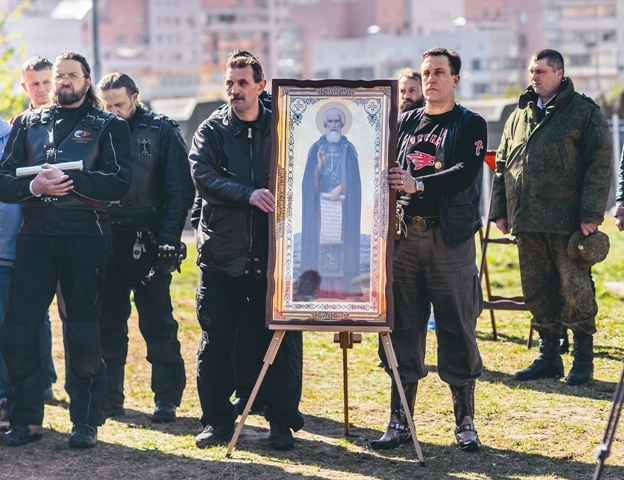 Бесценные дары для нового прихода: икона Сергия Радонежского и капсула с землей с родины Преподобного