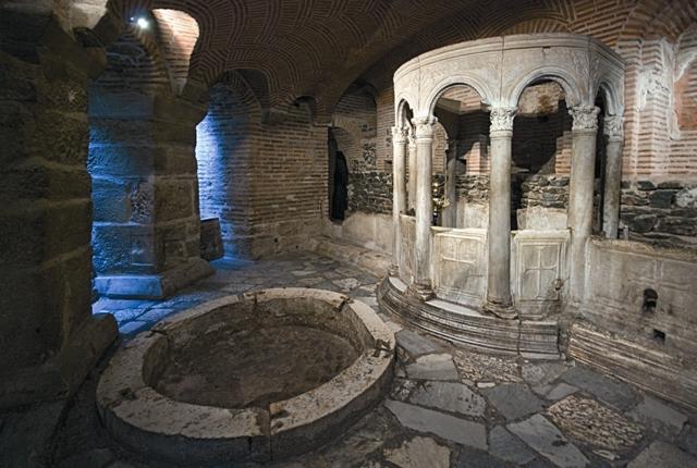 Крипта базилики святого Димитрия