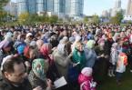 Более полутора тысяч православных верующих пришли на молитвенное стояние в защиту храма преподобного Сергия Радонежского