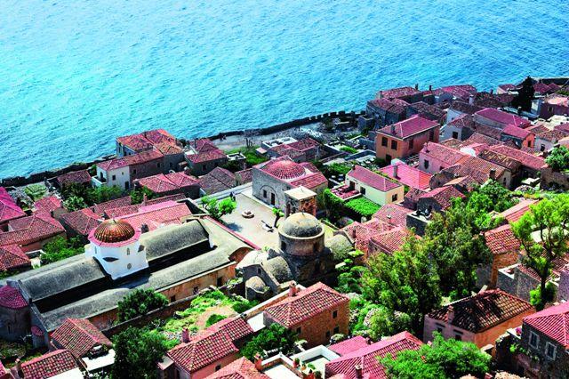 Монемвасия находится практически в самой южной точке Греции – на краю полуострова Пелопоннес, колыбели древнегреческой цивилизации.