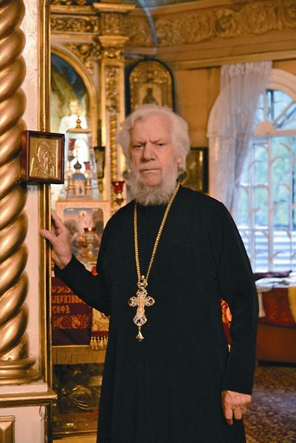 Отец Алексий – живая история храма. Он прослужил в одном приходе 57 лет – случай для Москвы уникальный