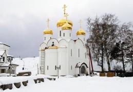 Храм в честь Казанской иконы Божией Матери на Староорловской улице, рассчитанный на 500 человек, вместе с домом причта был возведен по «Программе-200» в числе самых первых.