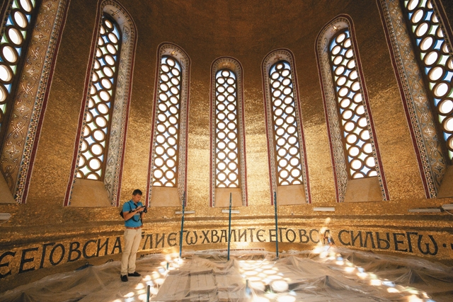 К Гробу Господню и к Камню помазания теперь можно приложиться и в Москве.