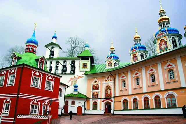 Так уж случилось, что монастырь в глухом лесном Запсковье стал вровень с такими твердынями Православия, как Киево-Печерская обитель, Свято-Сергиева Лавра, Валаам и Соловки